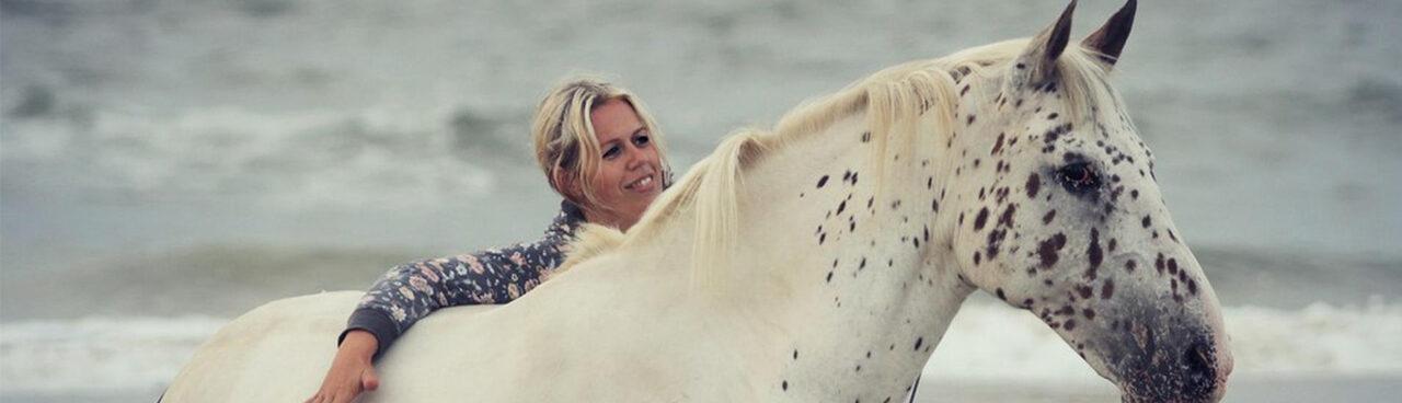 Joyce de Vos – paardendingen 1280 x 800